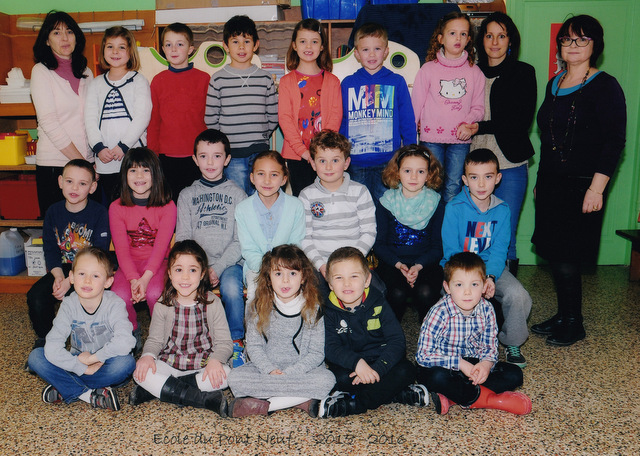 Photo de classe GS CP CE1 CE2 avril 2016